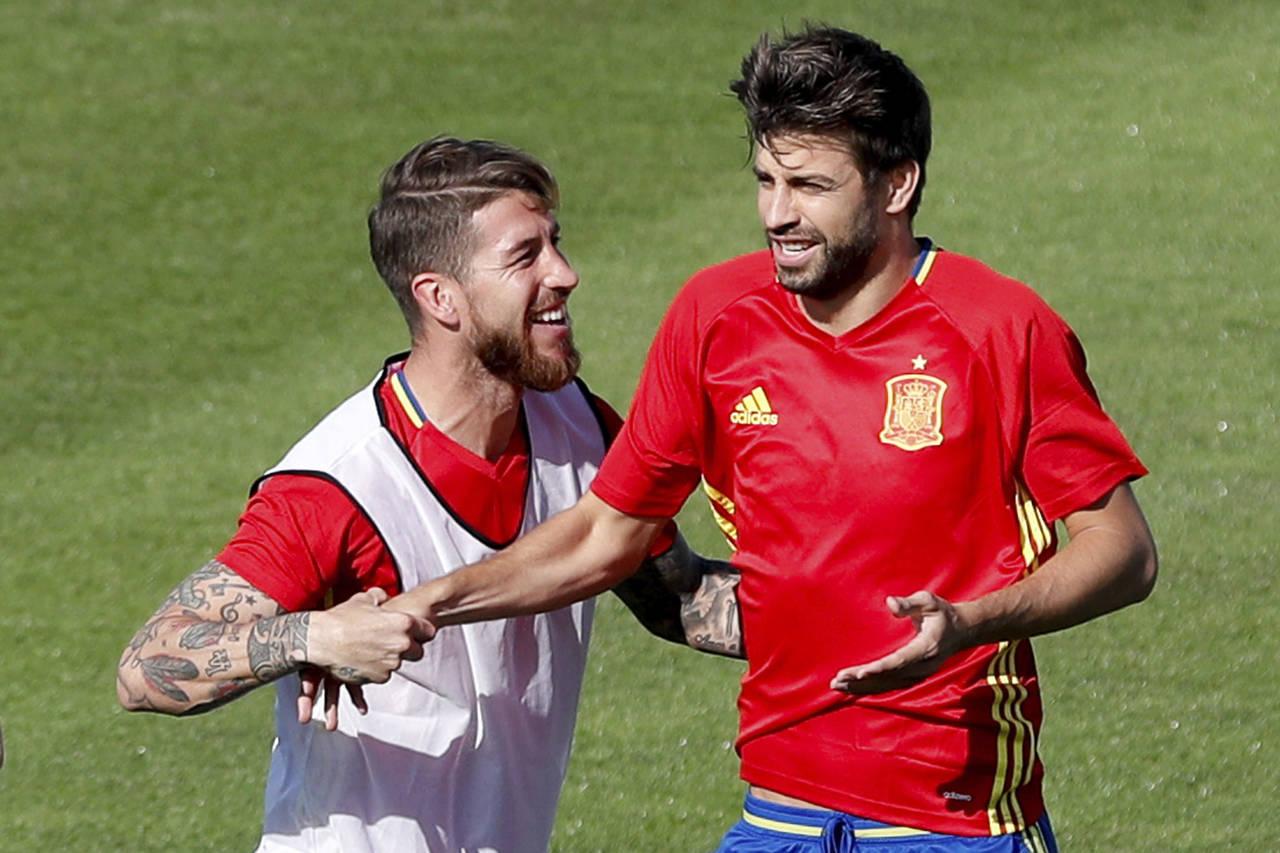 Ramos dice que le dará un abrazo a Piqué