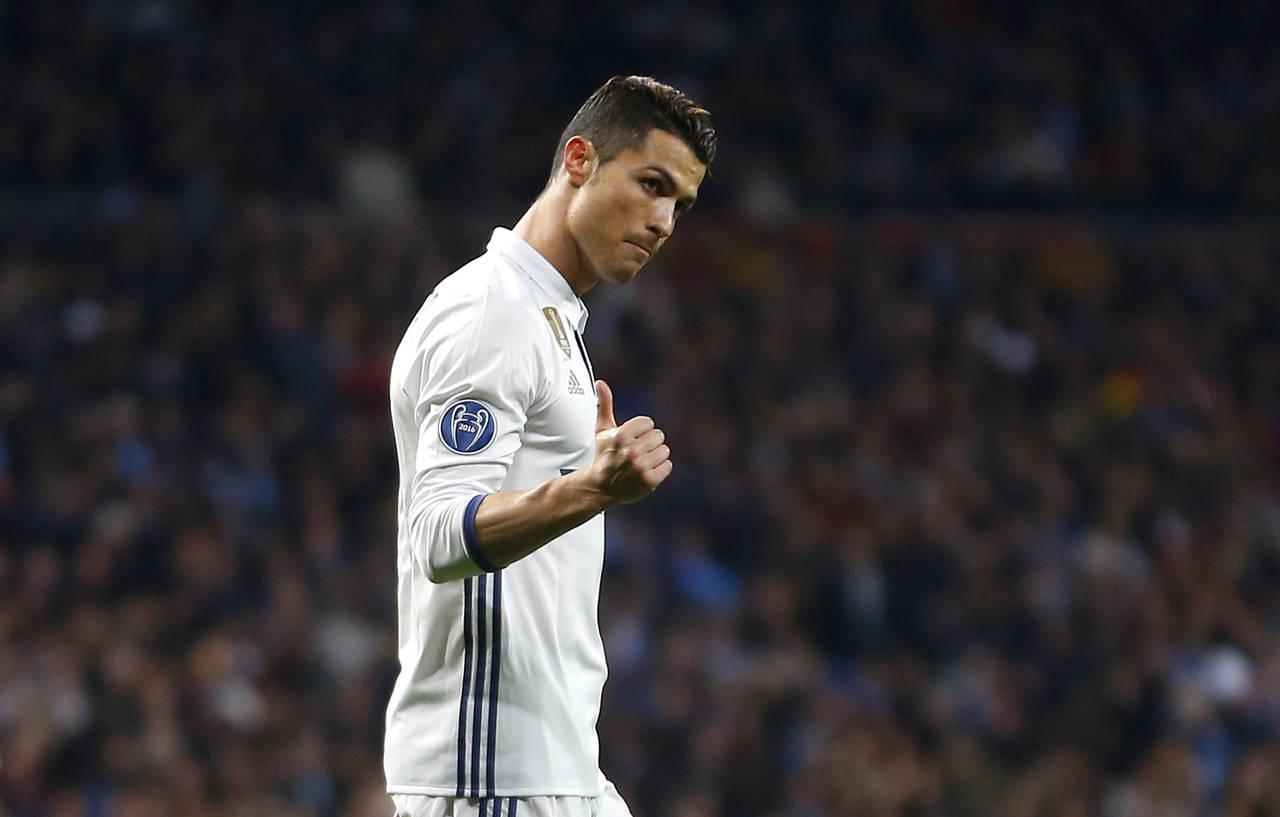 Cristiano gana premio al mejor jugador de Portugal