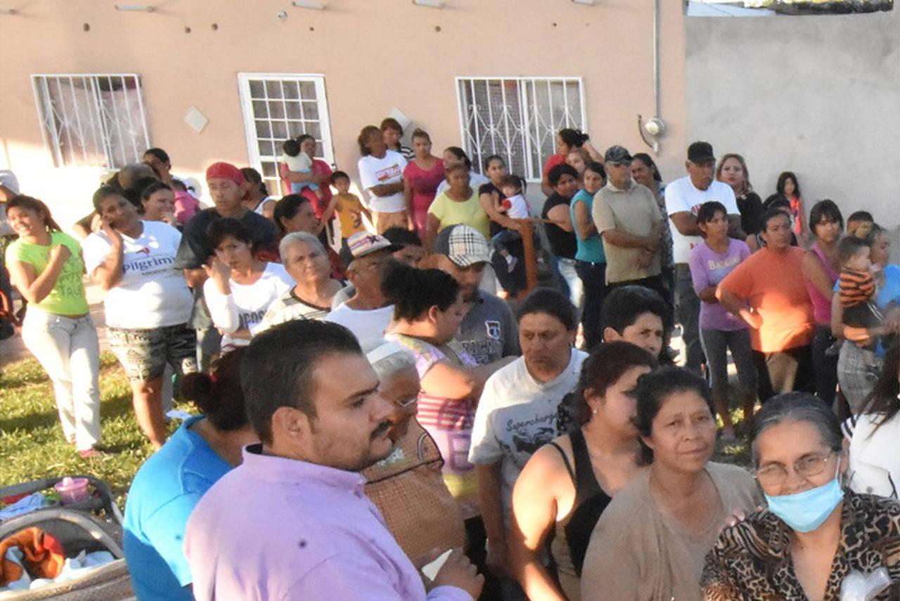 Reciben apoyos familias vulnerables
