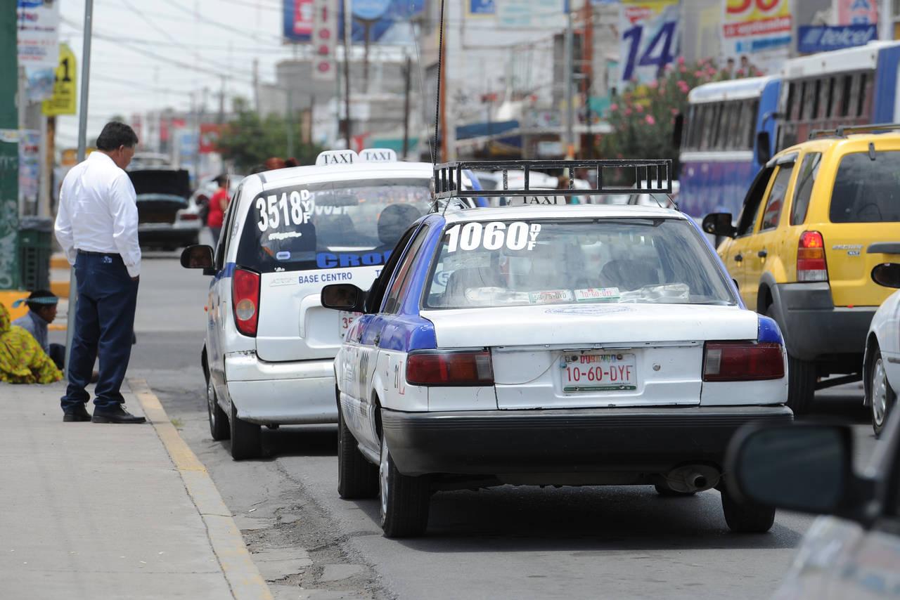 Retiran en operativo a 46 taxis