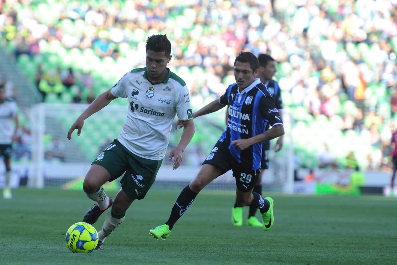 Santos vence a Querétaro y vuelve a zona de liguilla