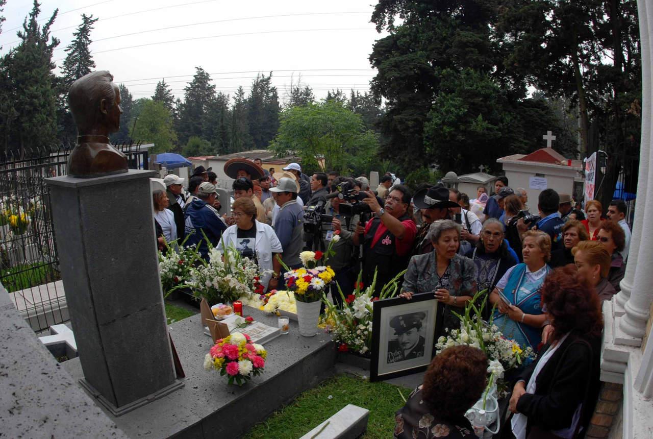 Esperan una multitud en el pante n jard n for Cementerio jardin del mar