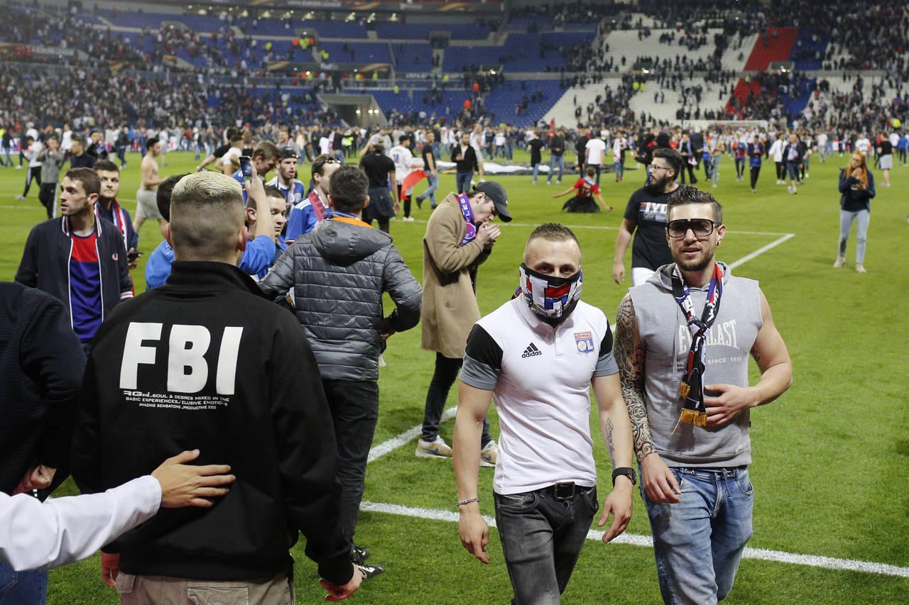 Sanciona la UEFA al Lyon y Besiktas