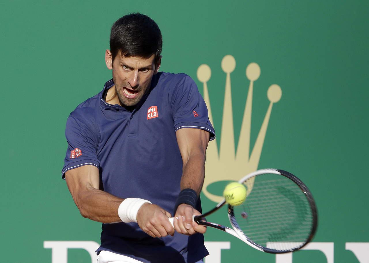 Novak Djokovic avanza en el Masters Montecarlo