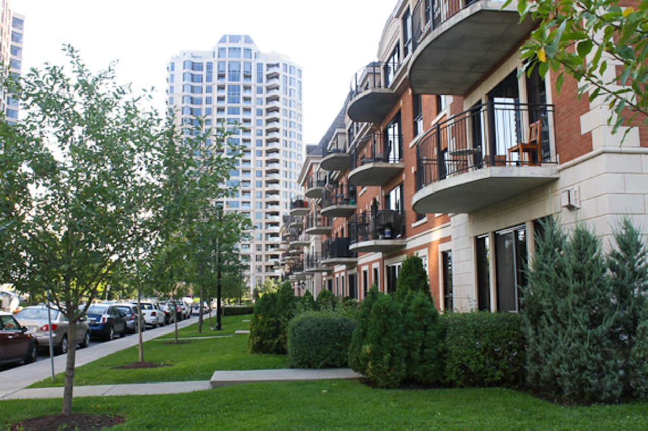 Imponen impuestos en viviendas a compradores extranjeros en Toronto
