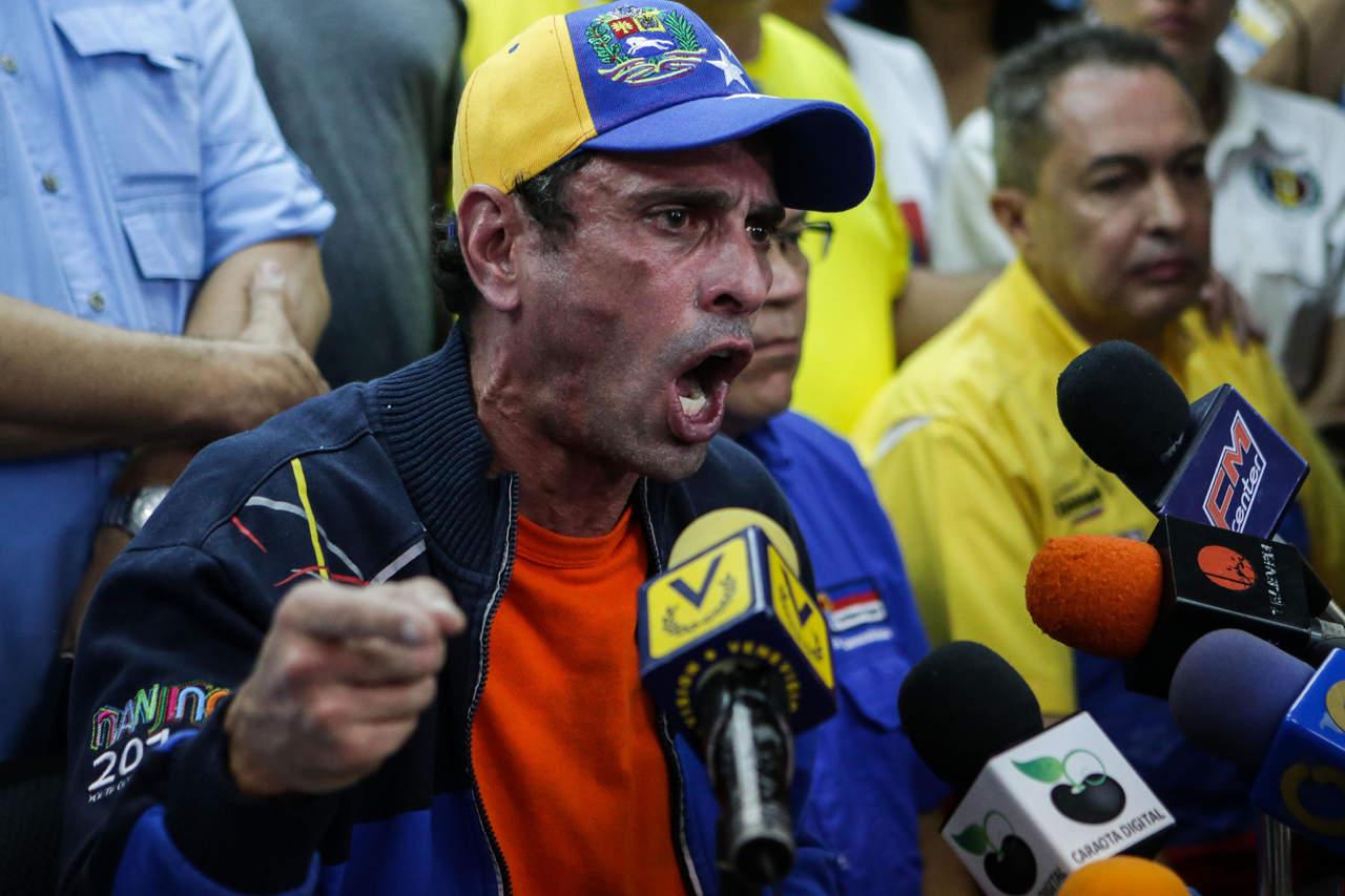 Autorizó Maduro demanda contra Capriles por difamación