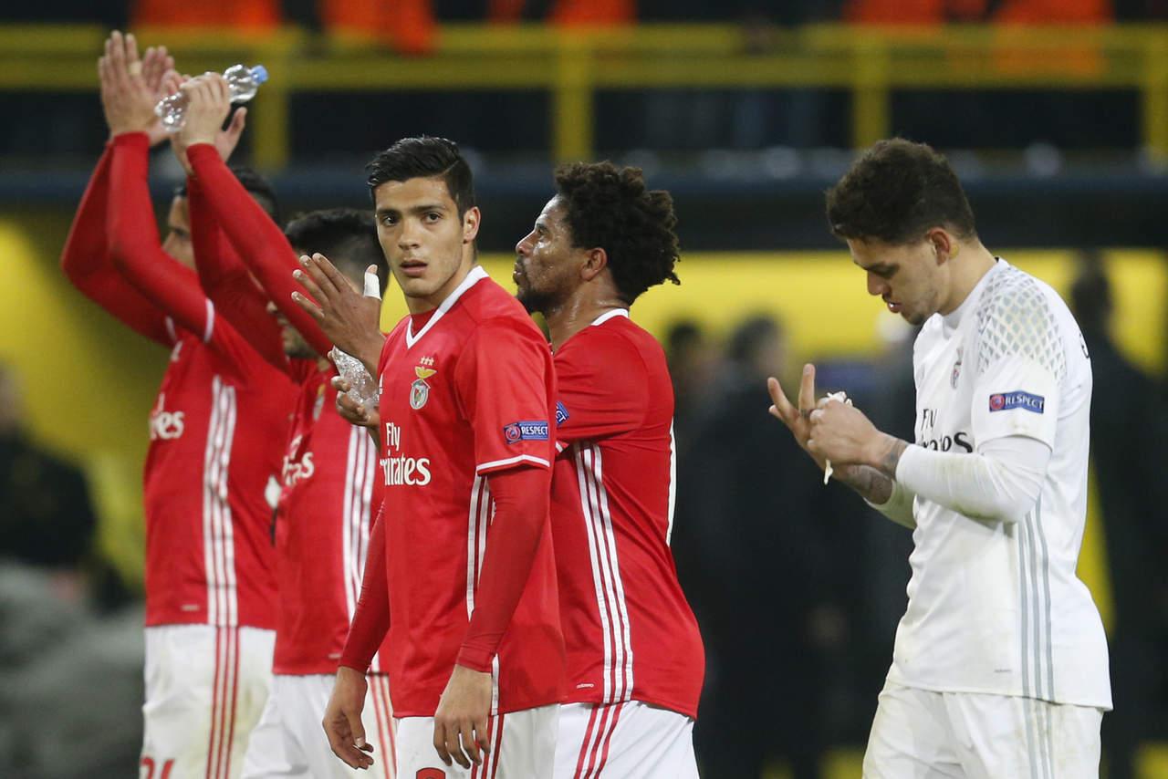 Raúl Jiménez en duda, Benfica hará difícil visita contra Sporting