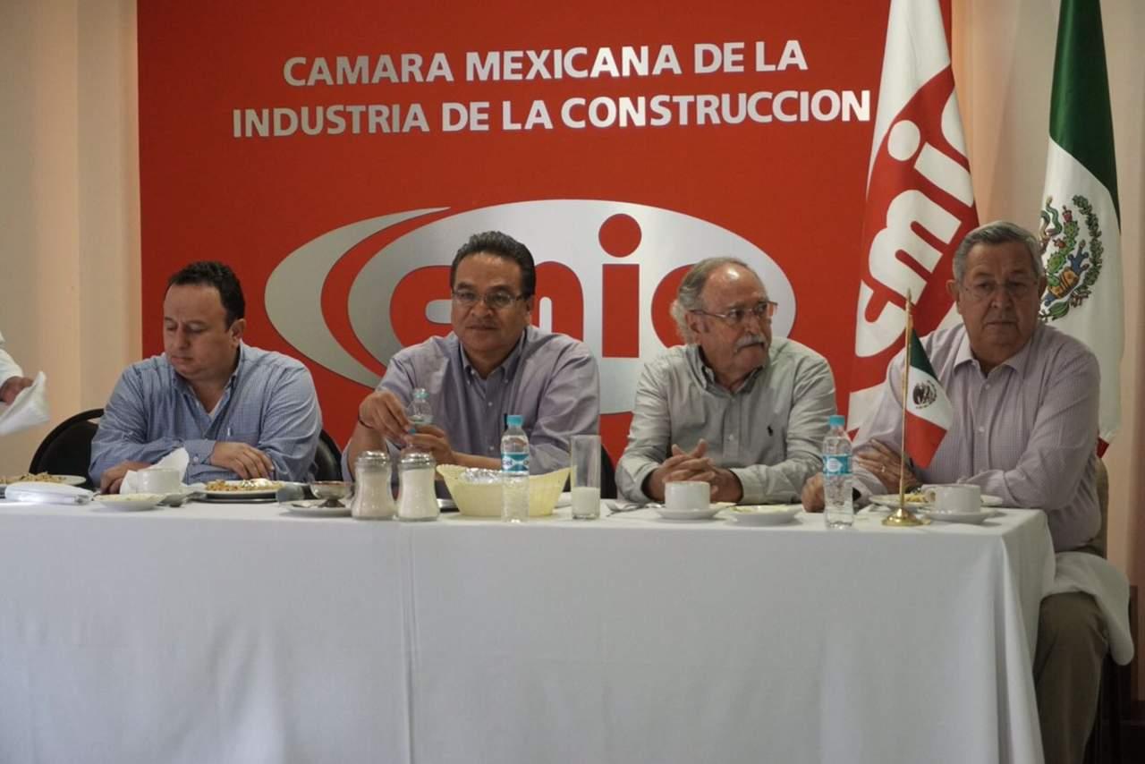 Se compromete Guerrero a eliminar los moches en obras públicas