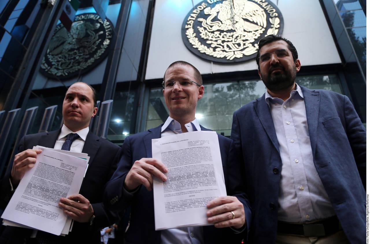 Denuncia PAN en PGR a Moreira y Riquelme