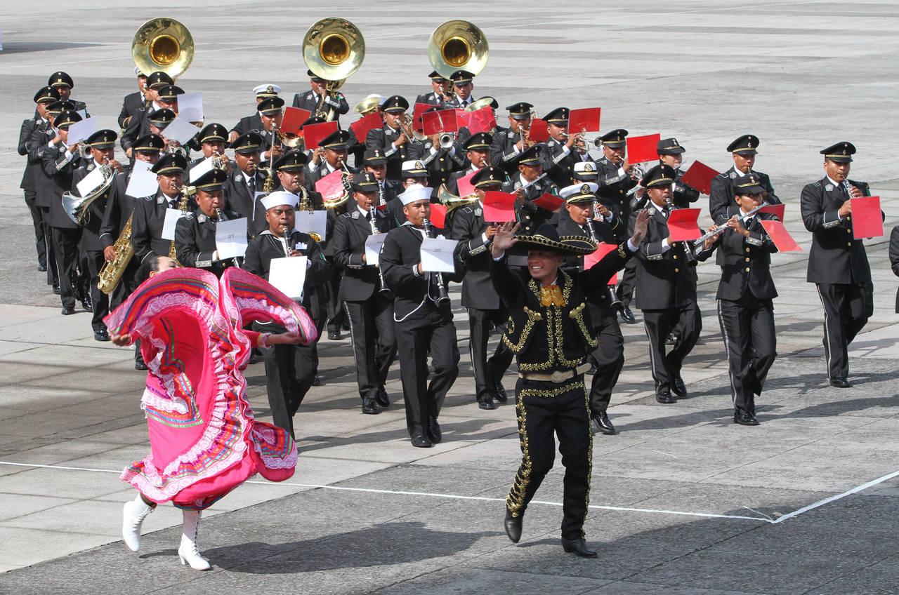 Bandas militares en concierto colectivo