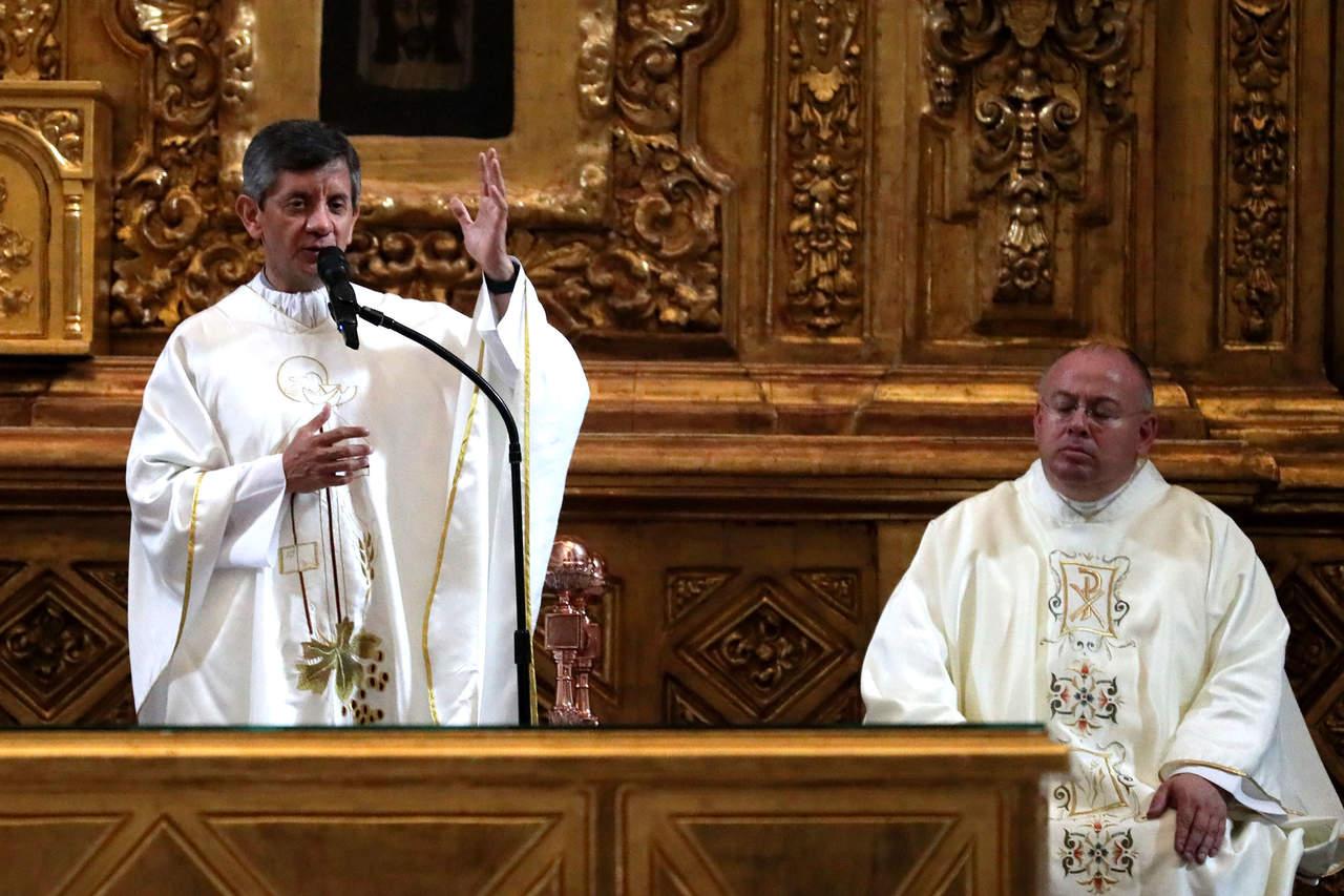 Reporta Arquidiócesis mejoría en sacerdote apuñalado