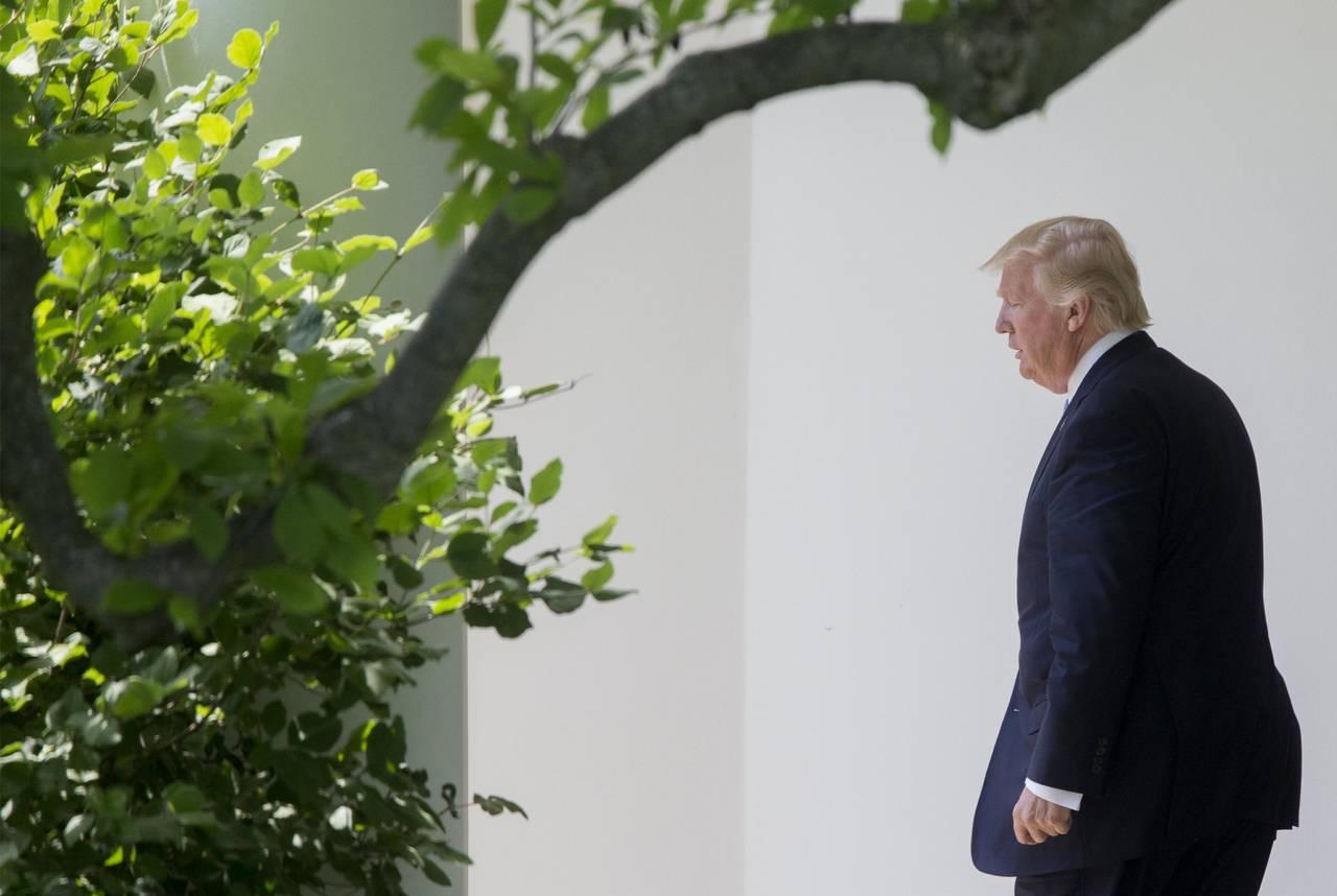 Investigan a funcionario cercano a Trump