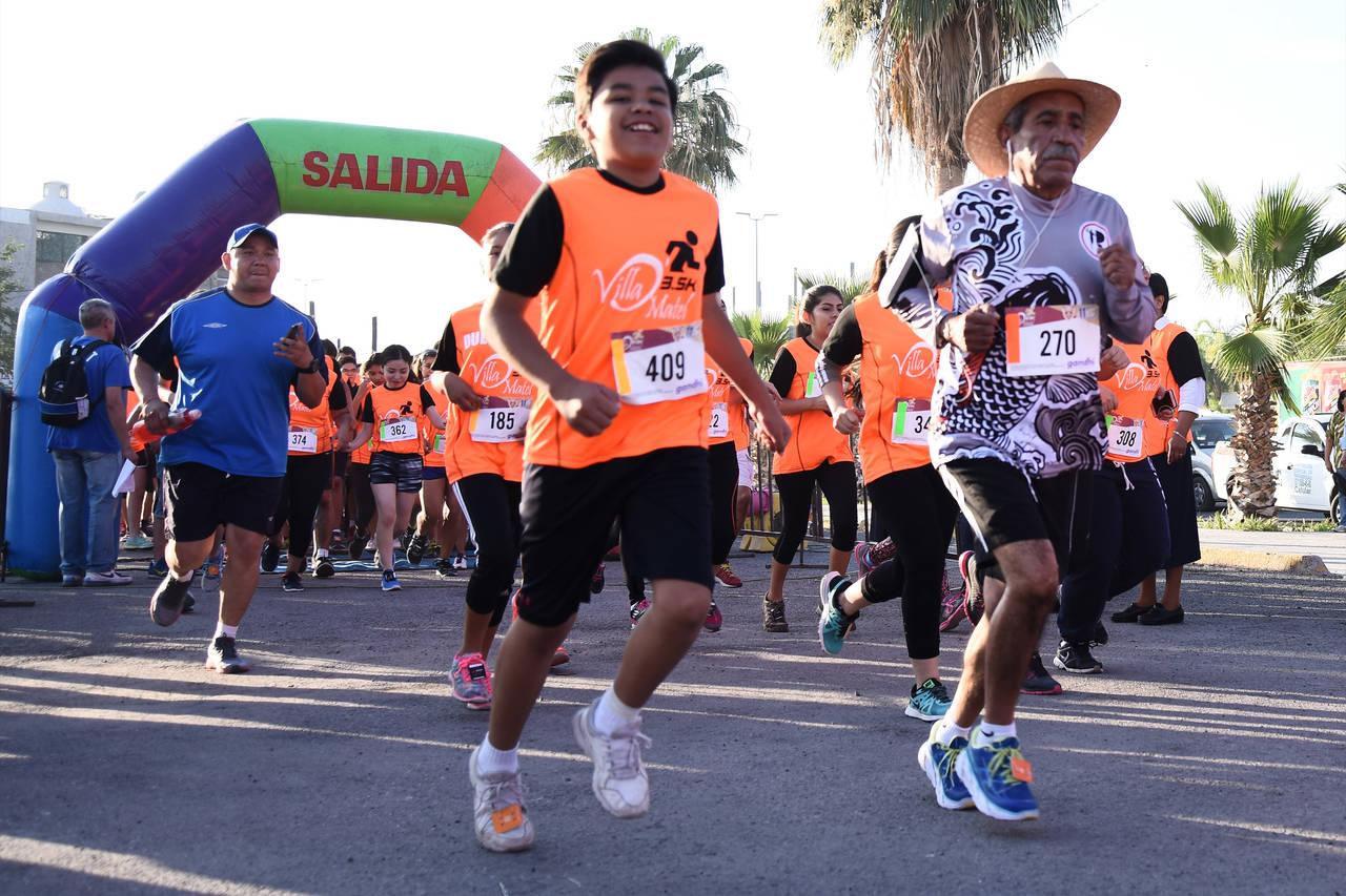 Corren en Gómez Palacio la 3.5 K Villa de Matel