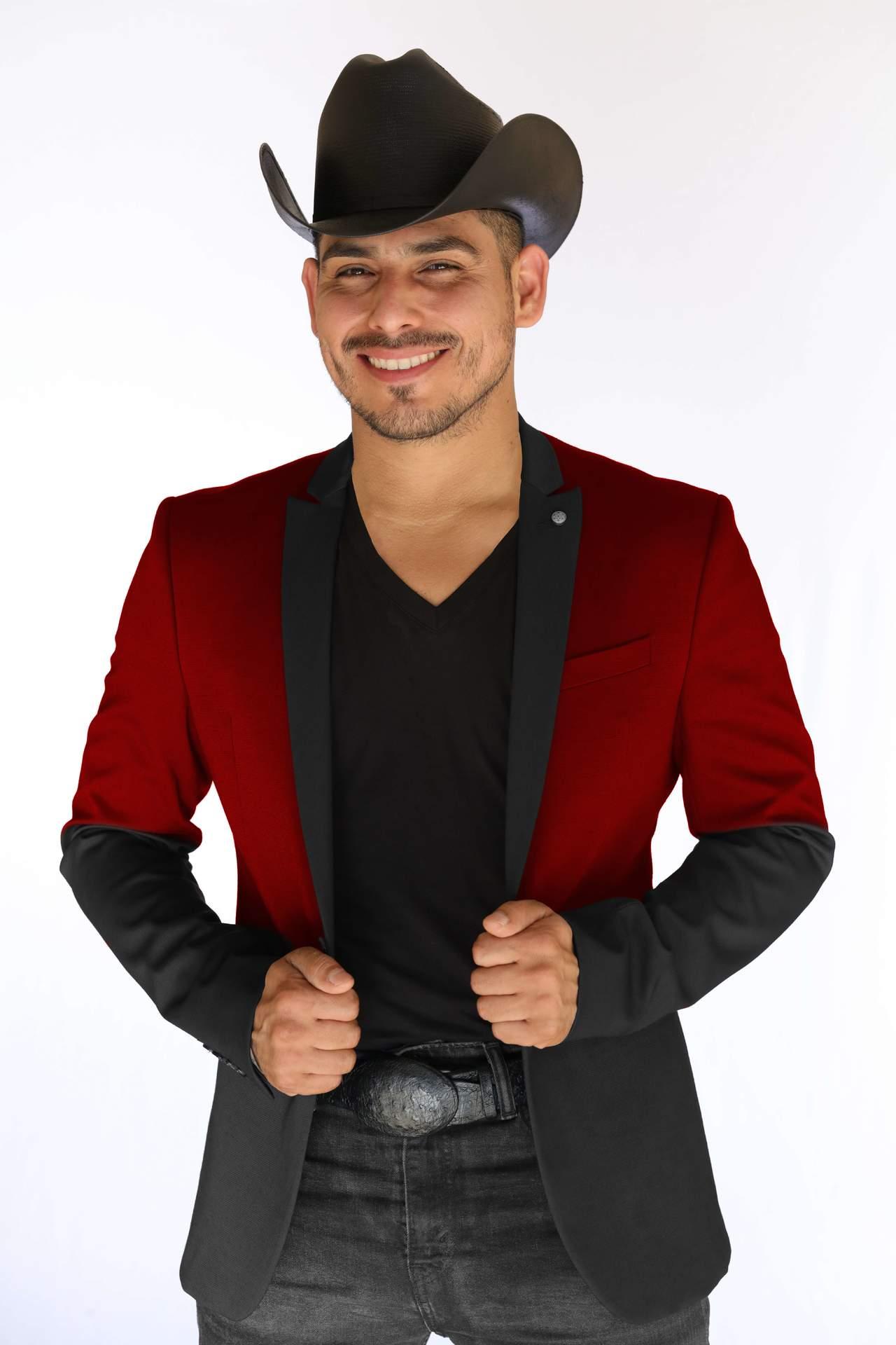 Espinoza pugna por exportar al extranjero música mexicana