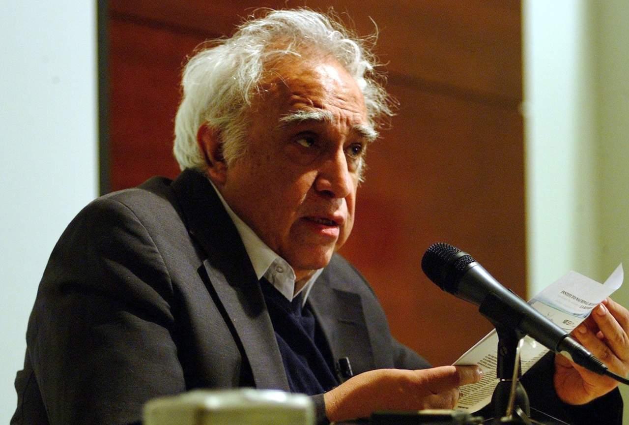 2010: Fallece Carlos Monsiváis, el padre de la crónica moderna en México