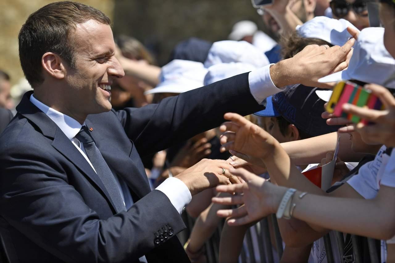 Logra Macron la mayoría absoluta