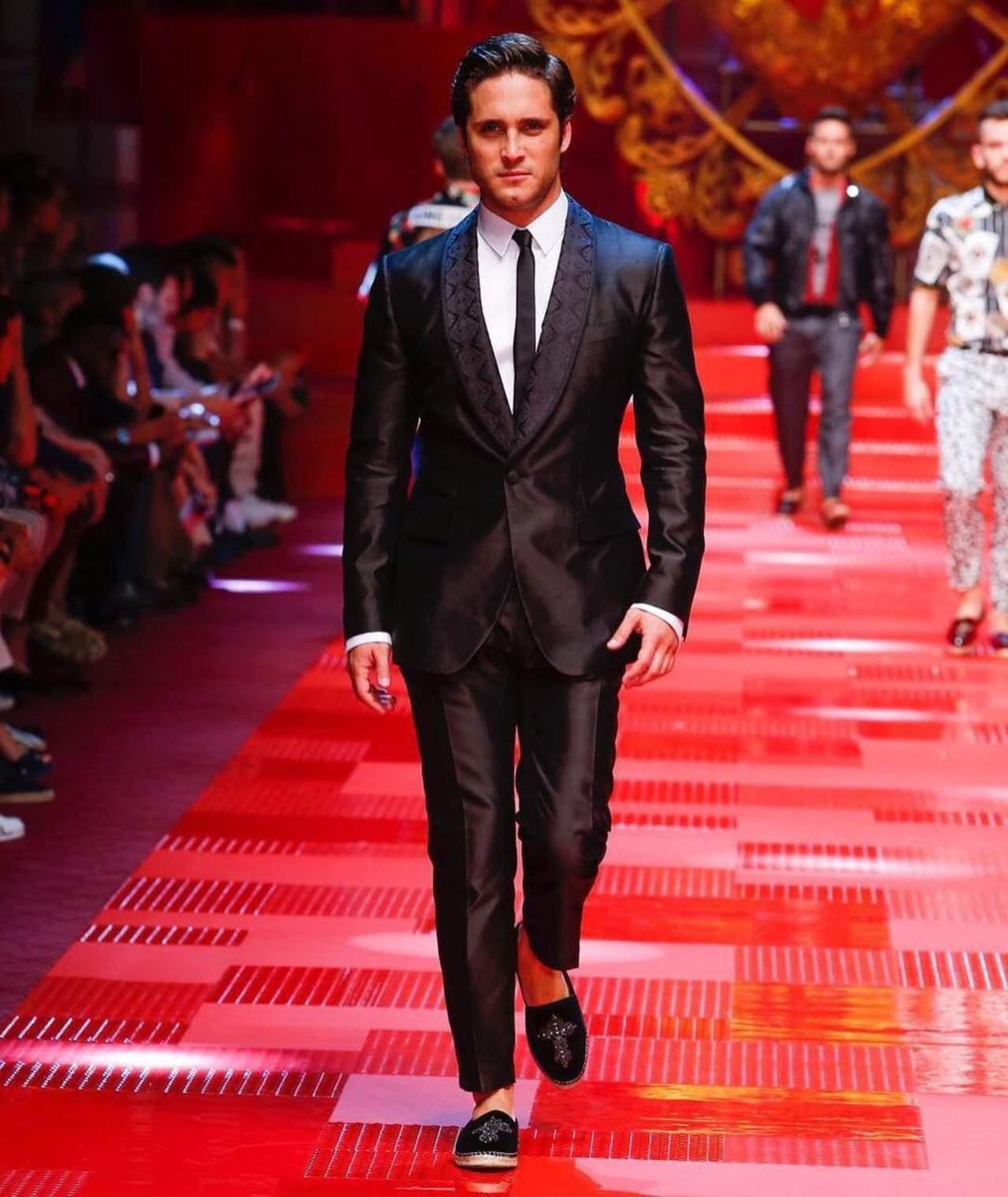 Diego Boneta participa en desfile de modas en Milán