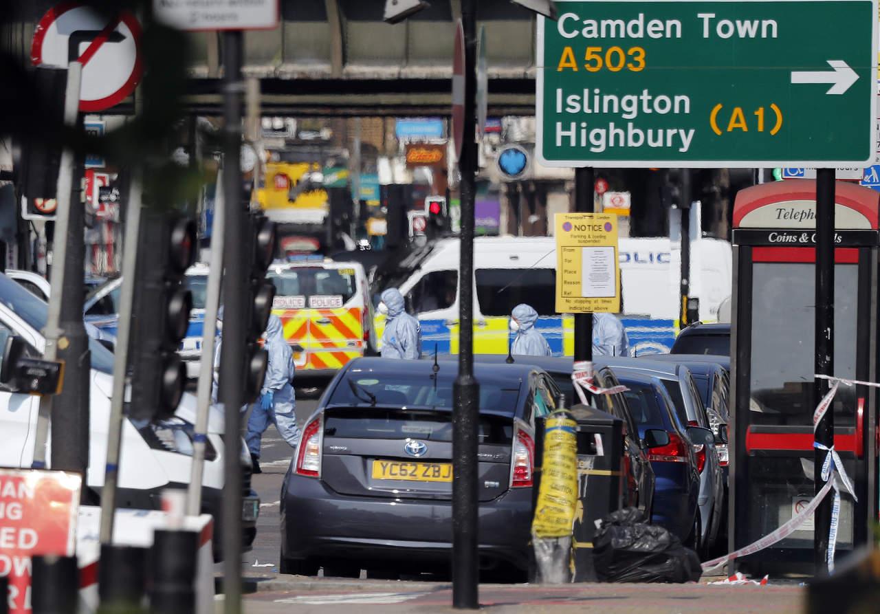 Identifican a hombre que atropelló a fieles en Londres
