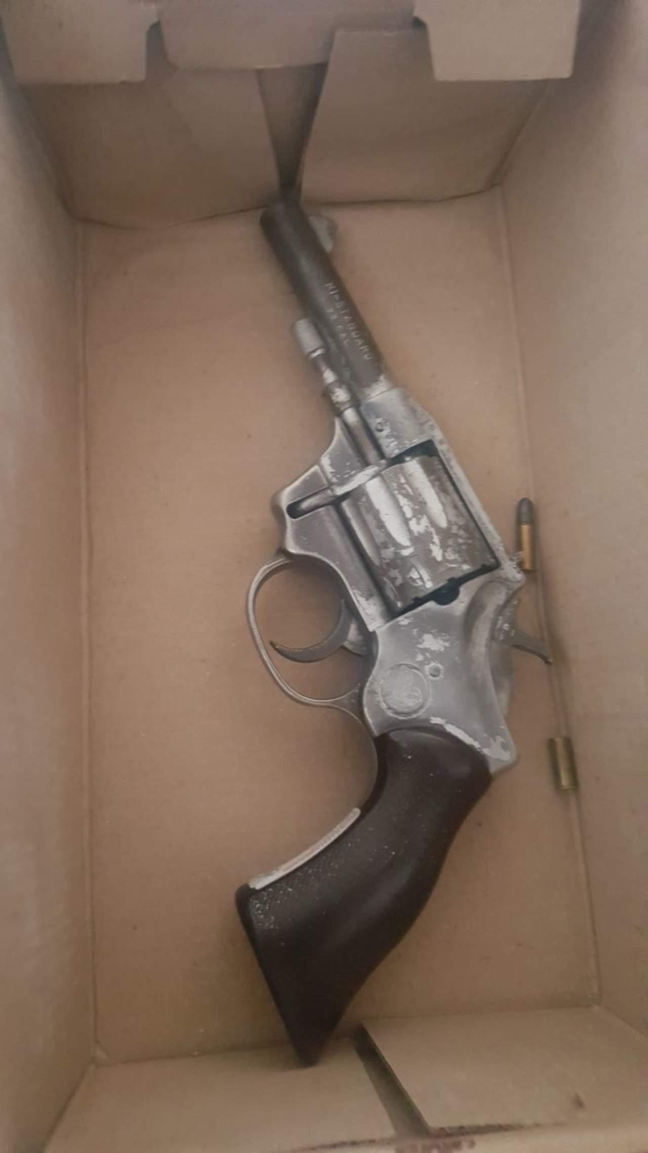 Se dispara niña con arma de su padre en Torreón