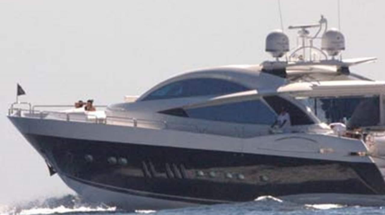 Yate de Luis Miguel es embargado en Miami