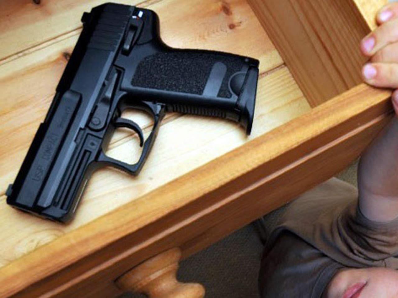 Al menos 19 menores mueren cada día en EU por armas de fuego