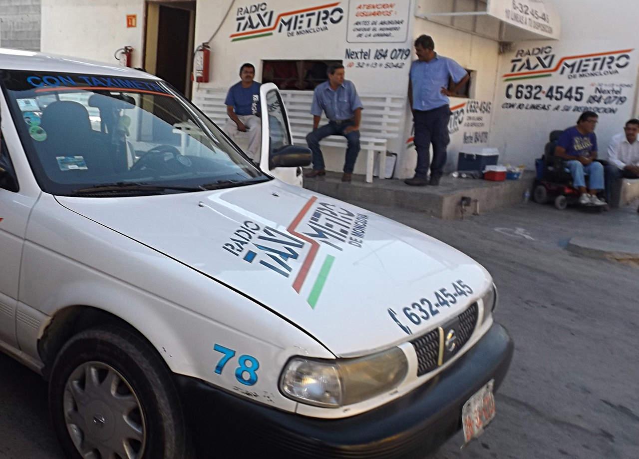Taxistas buscan frenar a Uber en Monclova
