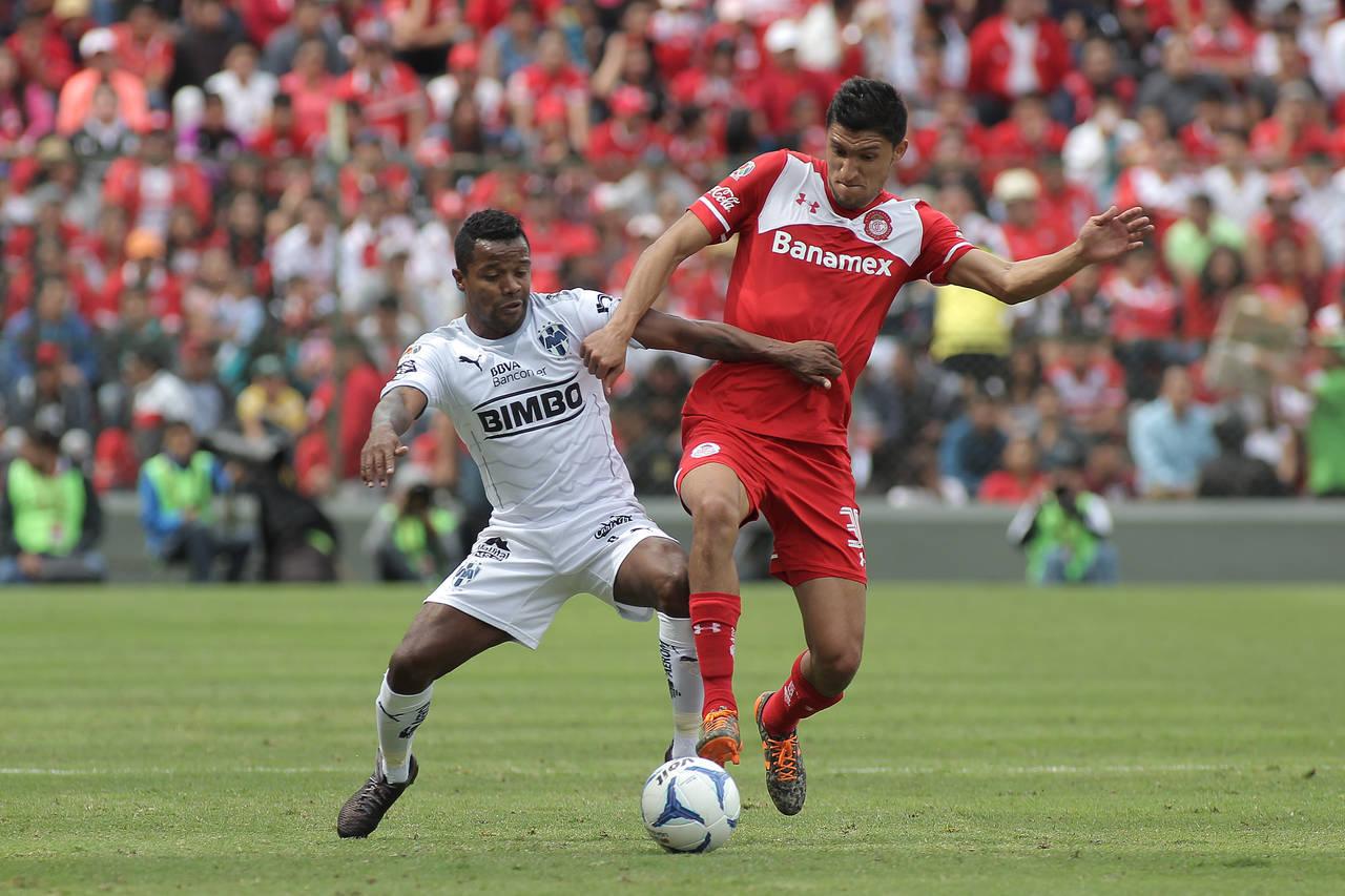 Jordan Silva abandona práctica del Cruz Azul