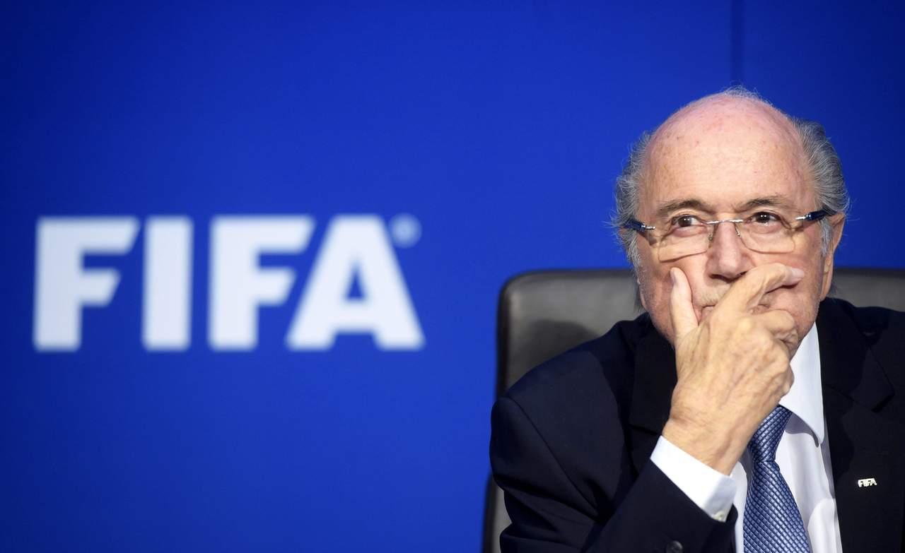 Blatter critica