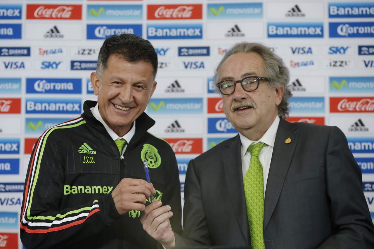 Osorio seguirá hasta el Mundial de Rusia, dice Decio