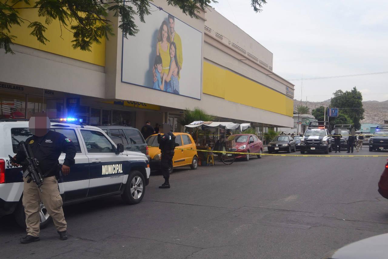 Disparan en Centro a vendedor de frituras
