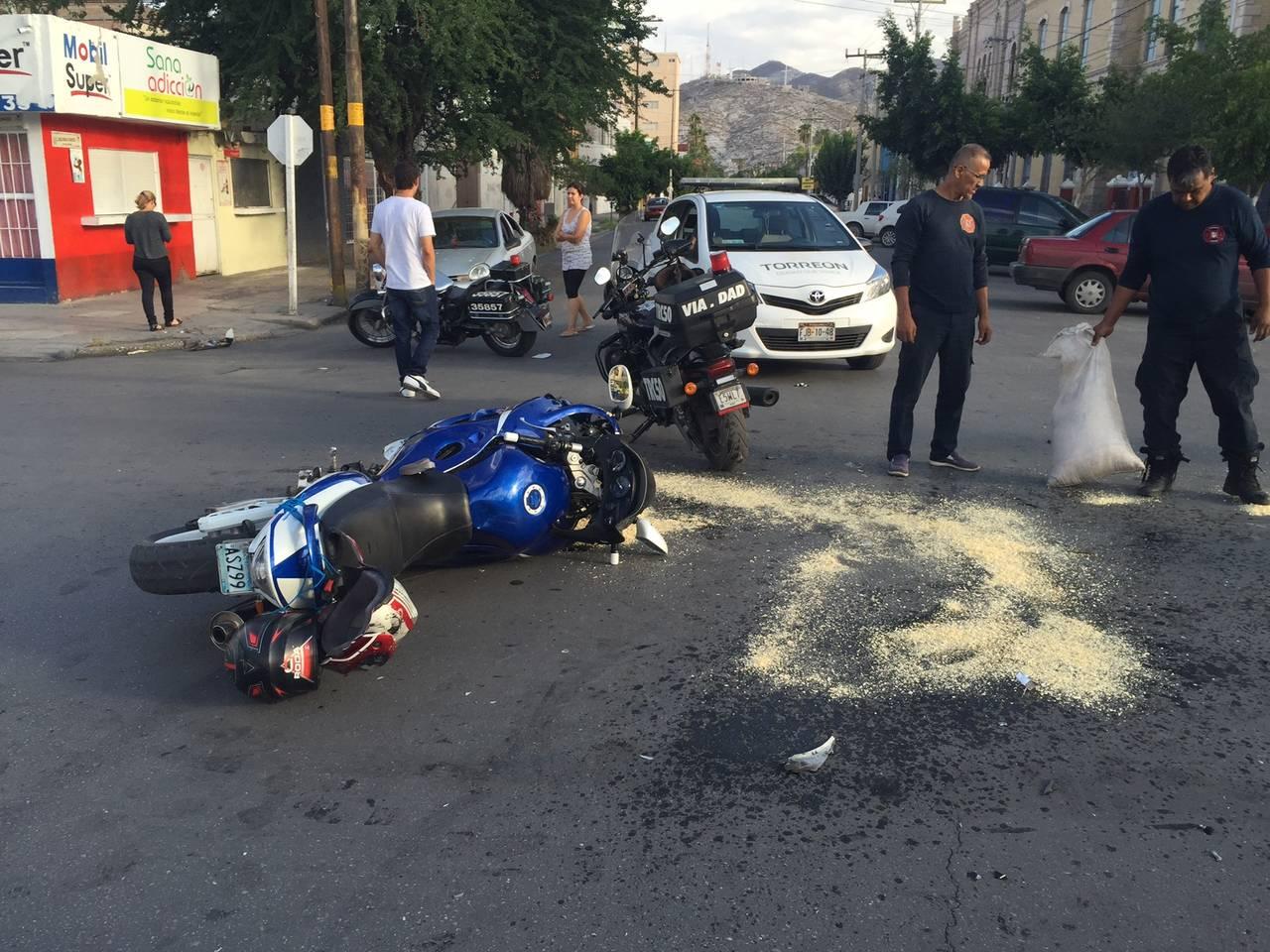 Motociclista sale con varias lesiones