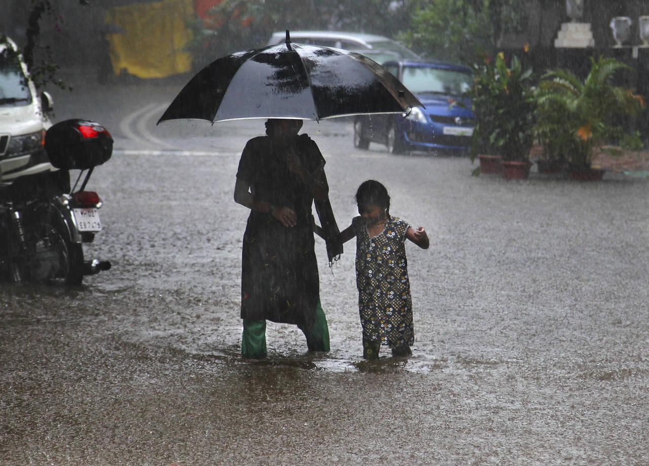 Suman 59 muertos por inundaciones en India