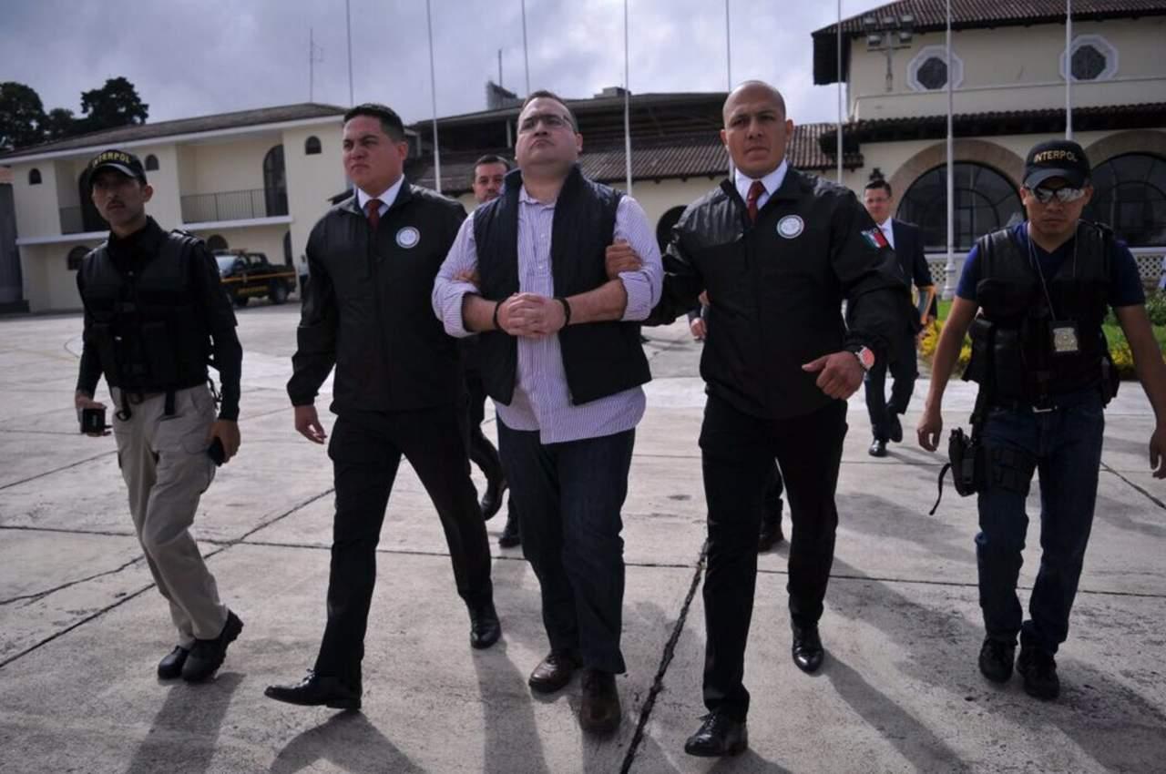 Javier Duarte, en camino a México