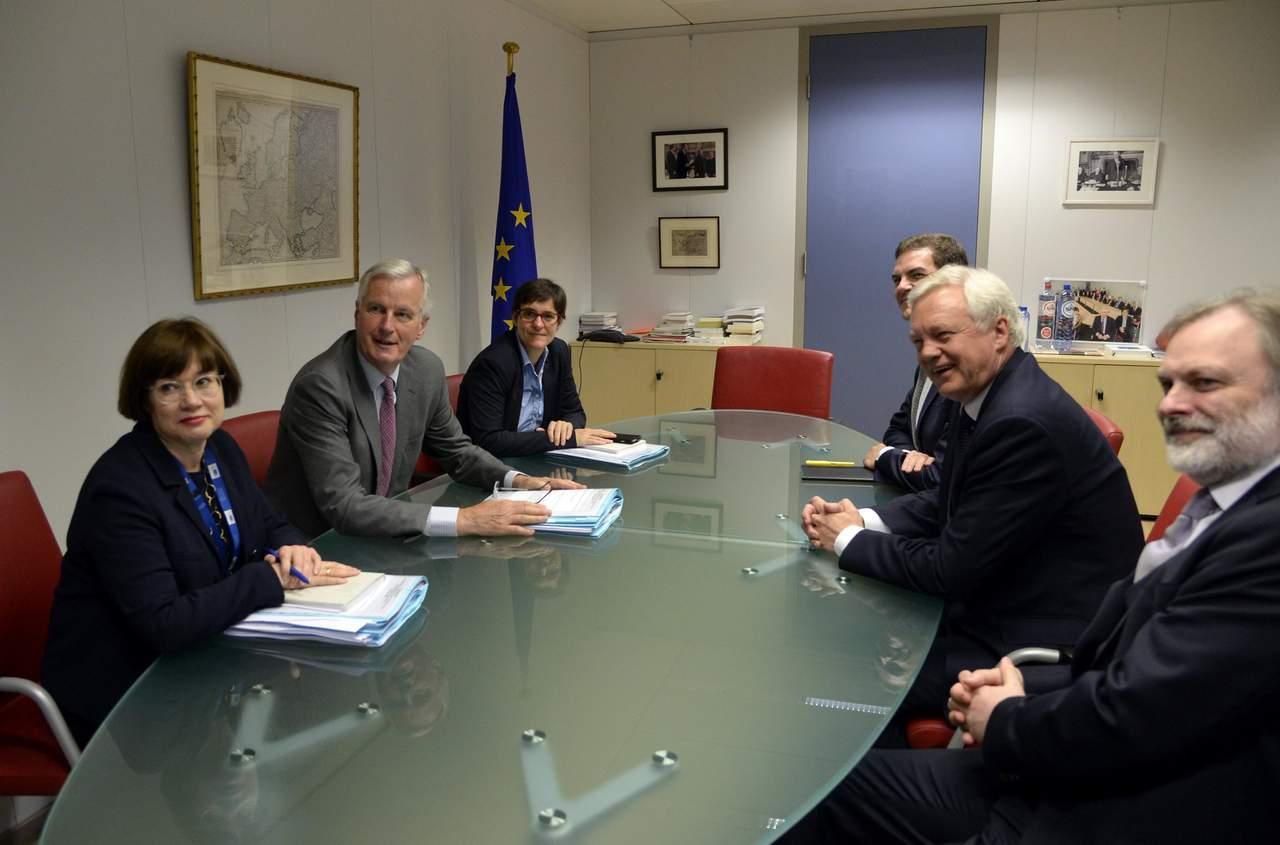 UE y Gran Bretaña inician sus negociaciones de divorcio
