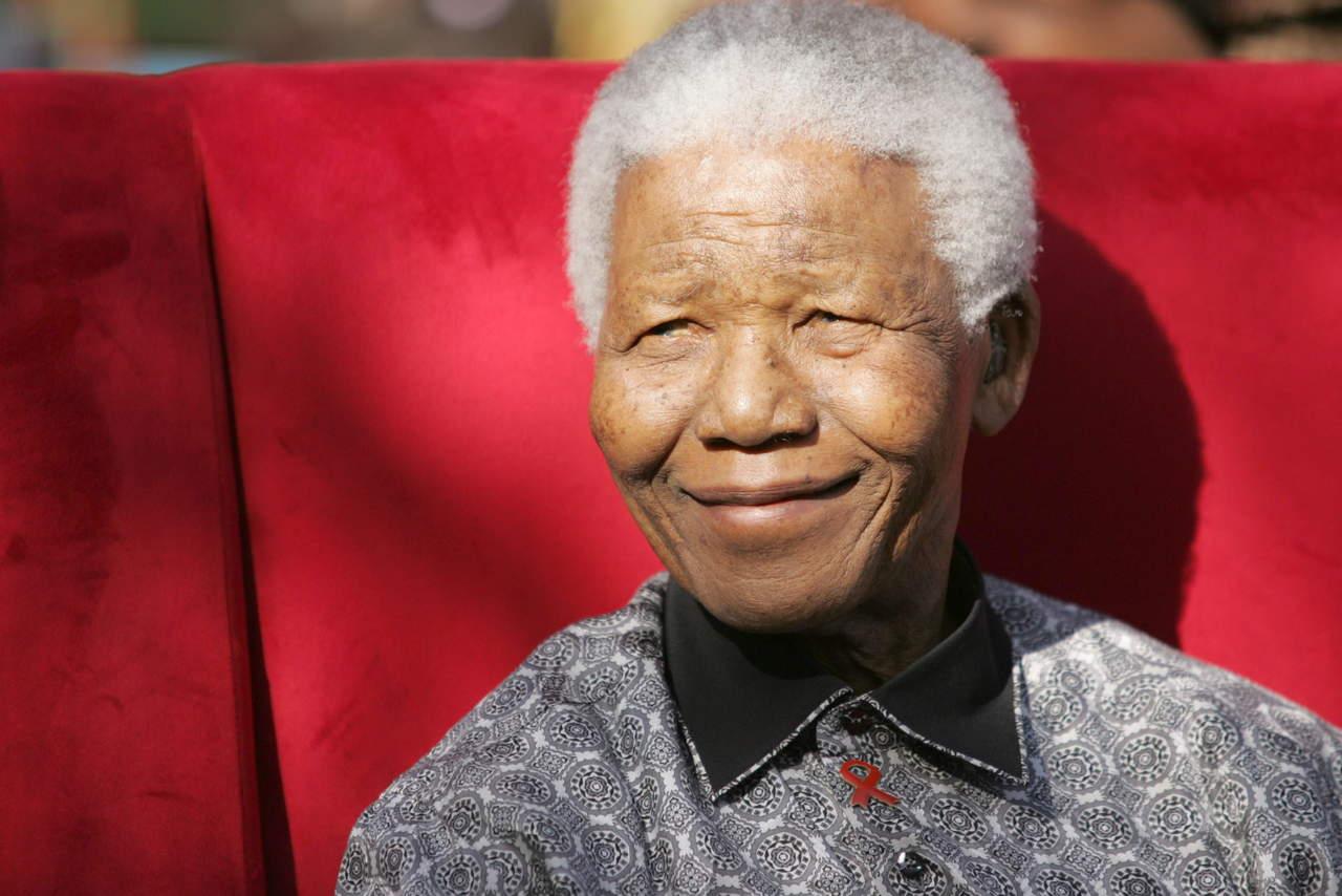 1918: Ve la primera luz Nelson Mandela, histórico luchador social y humanitario