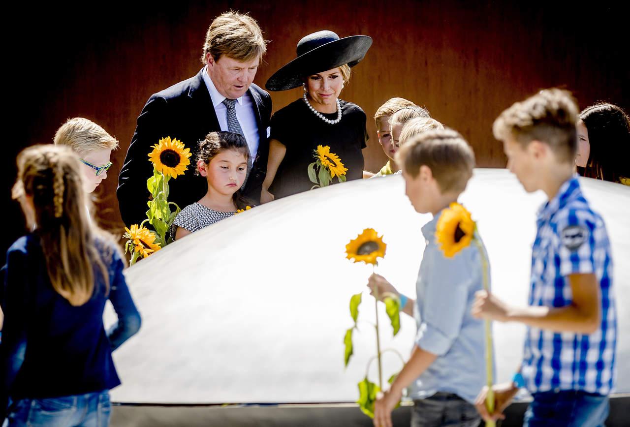 Inauguran monumento en recuerdo de las víctimas del MH17