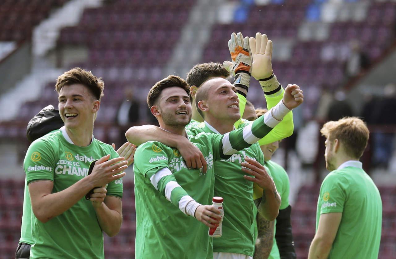 UEFA evalúa desmanes en duelo Celtic-Linfield por Champions