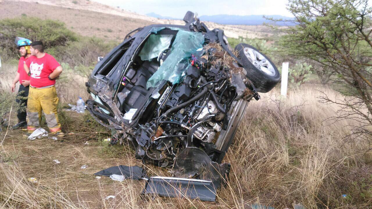Fallecen dos en volcadura en autopista Durango-Gómez Palacio