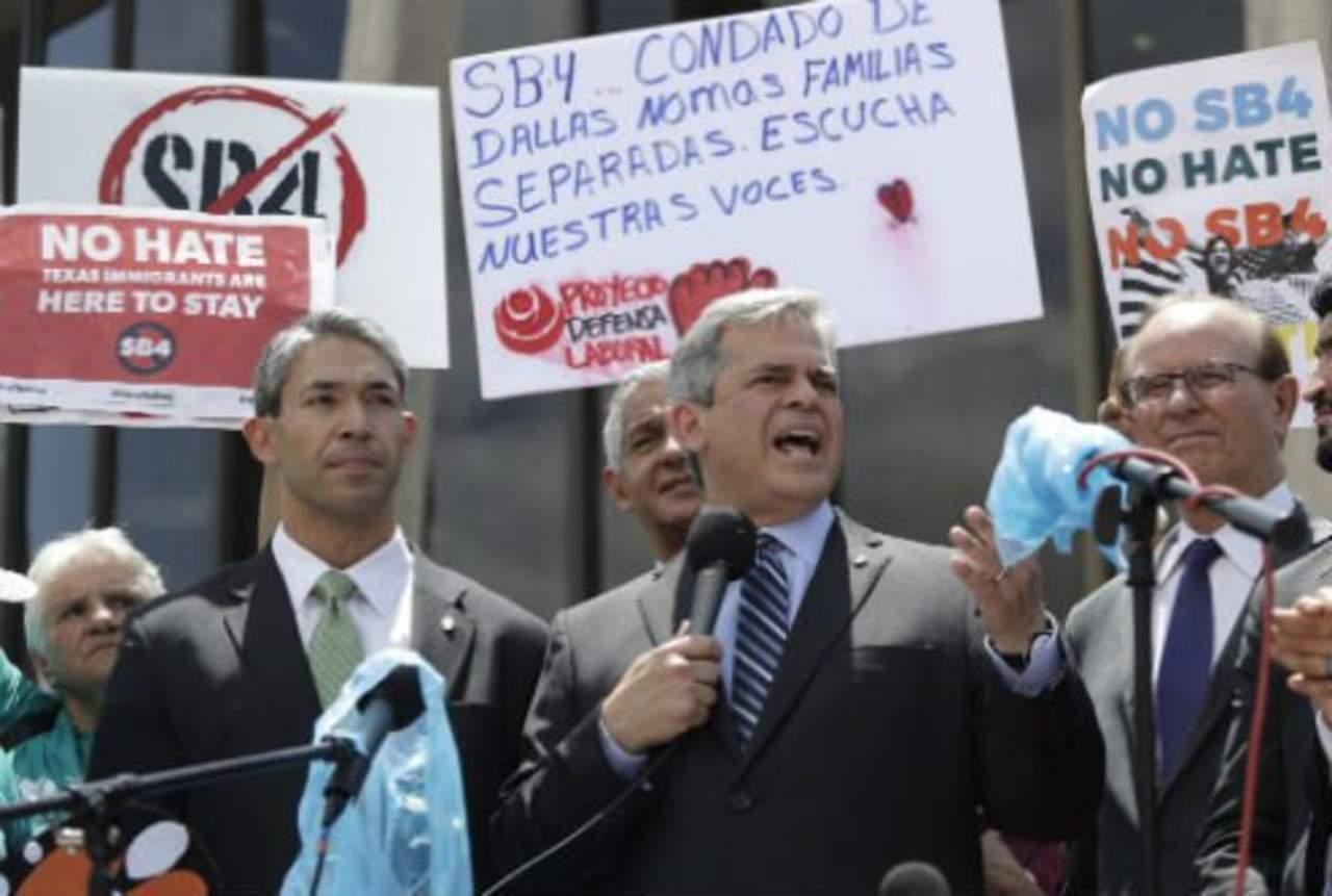 Asociación de cámaras de comercio hispanas de Texas rechaza ley SB4