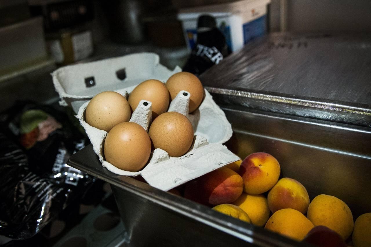 En Francia venden 250 mil huevos contaminados