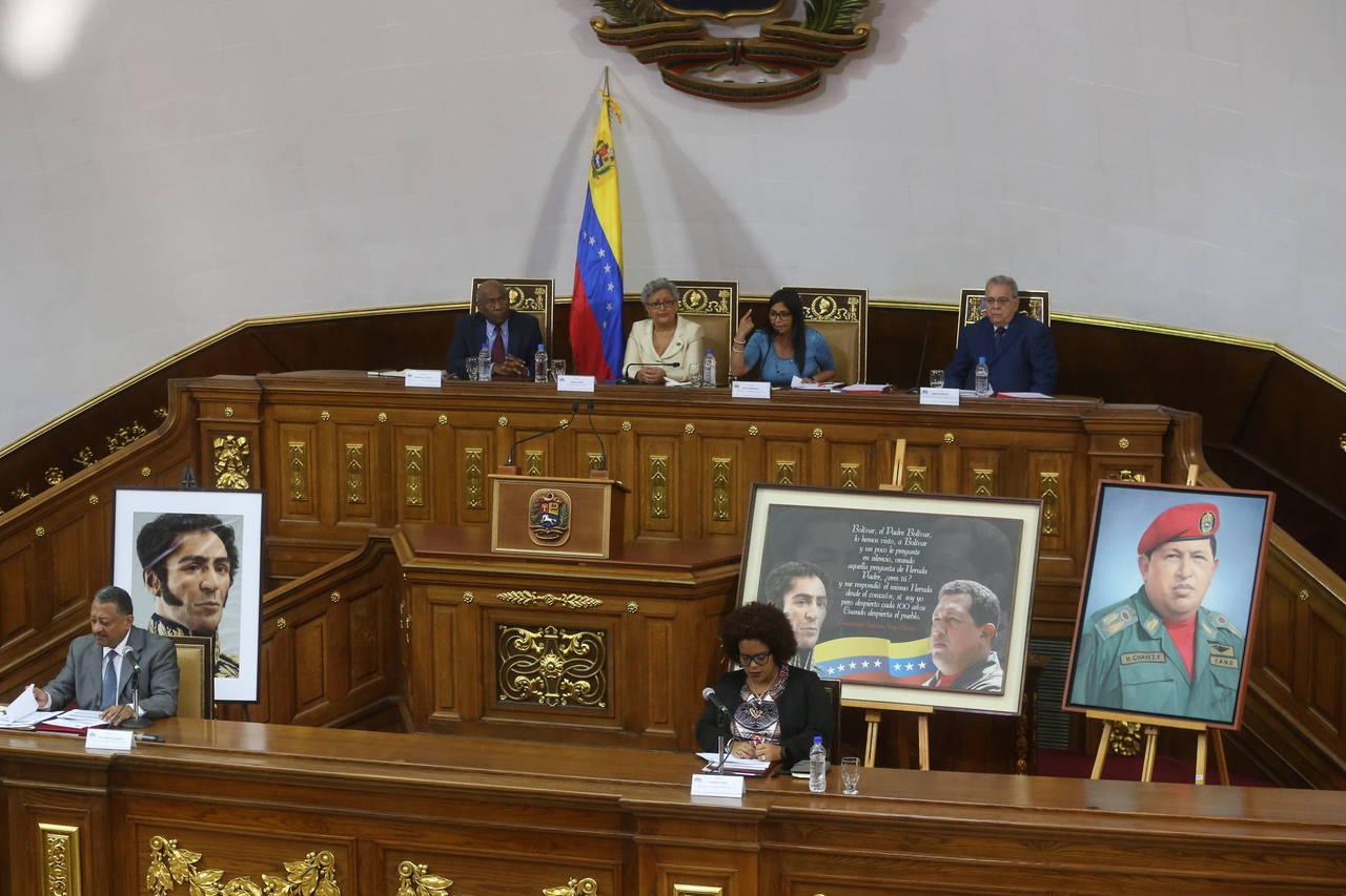 Constituyente venezolano ratifica a consejeras electorales