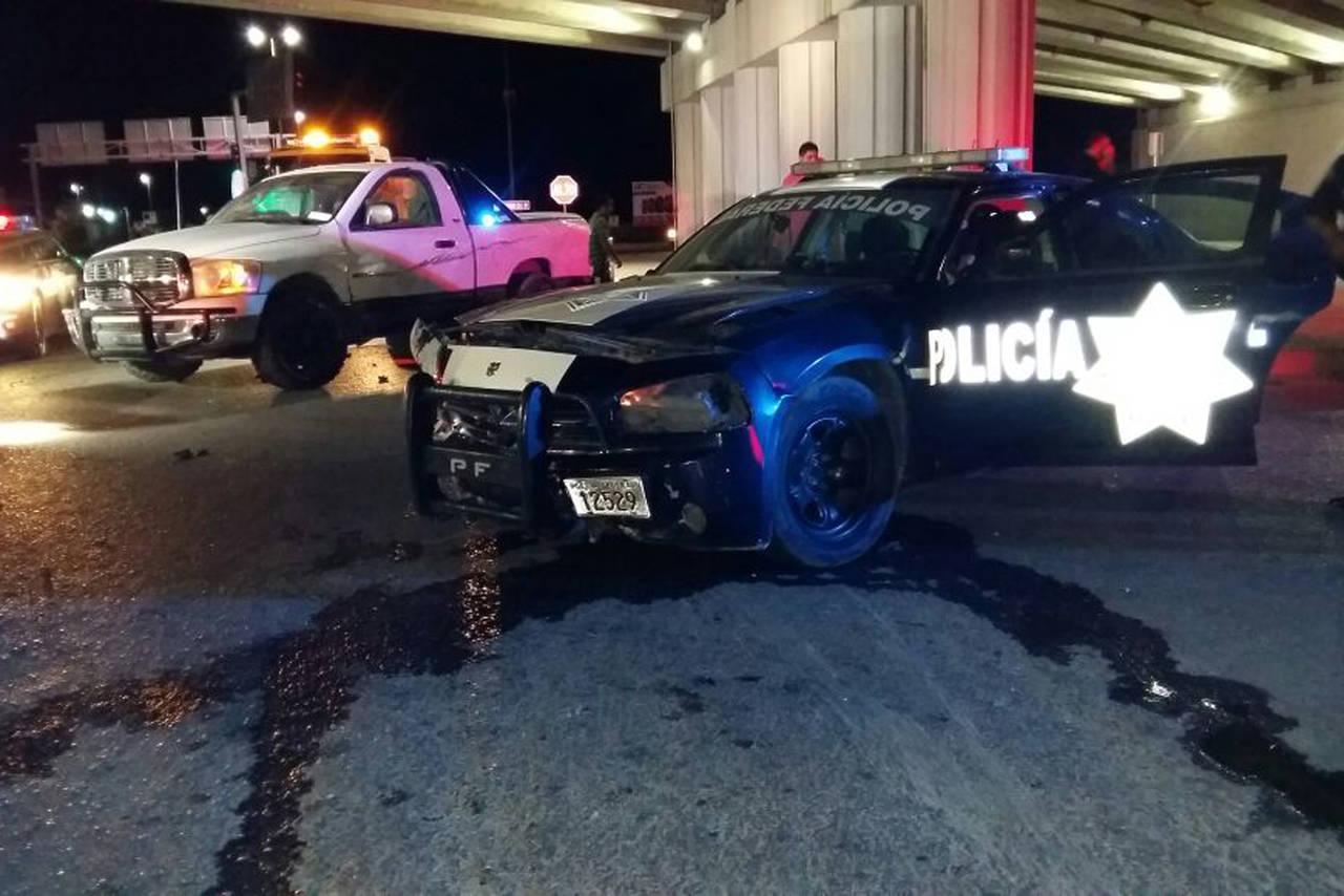 Patrulla se impacta contra camioneta