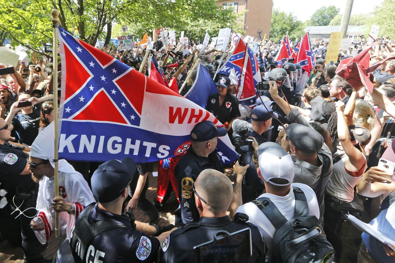 Virginia declara emergencia tras enfrentamientos por marcha supremacista