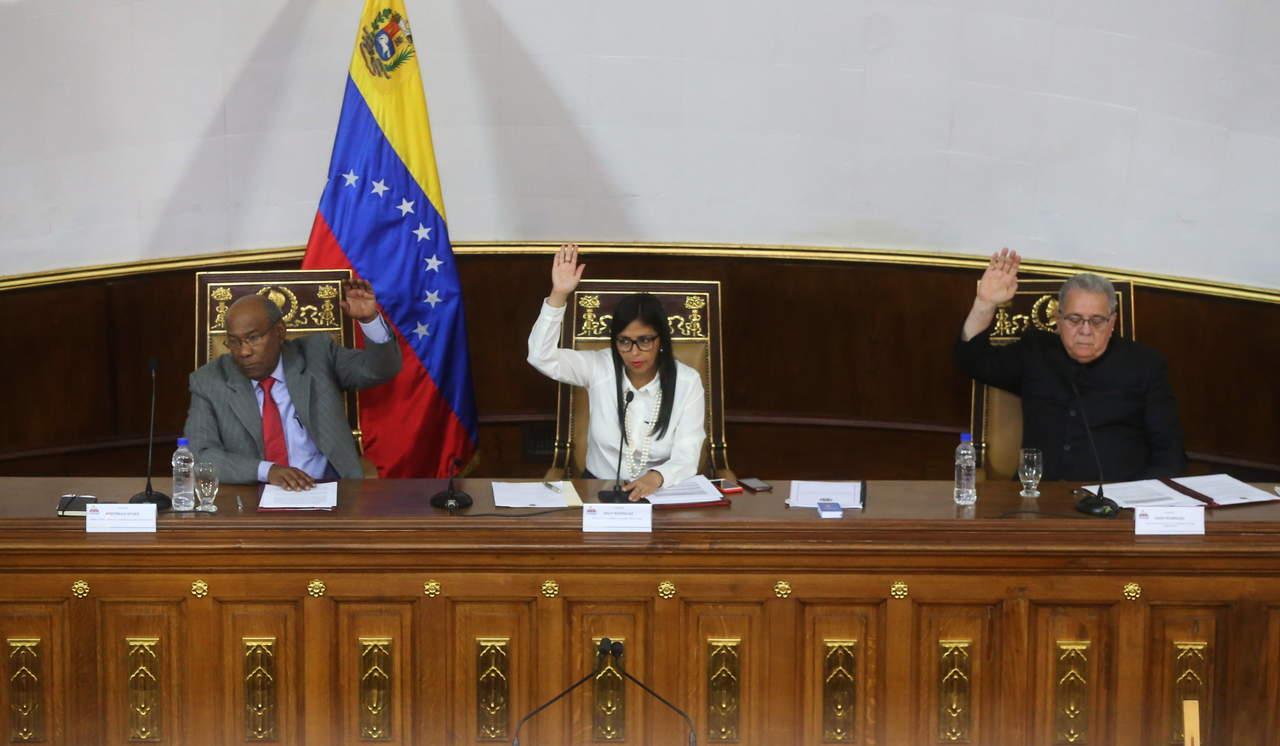 Constituyente de Venezuela adelanta elecciones para octubre