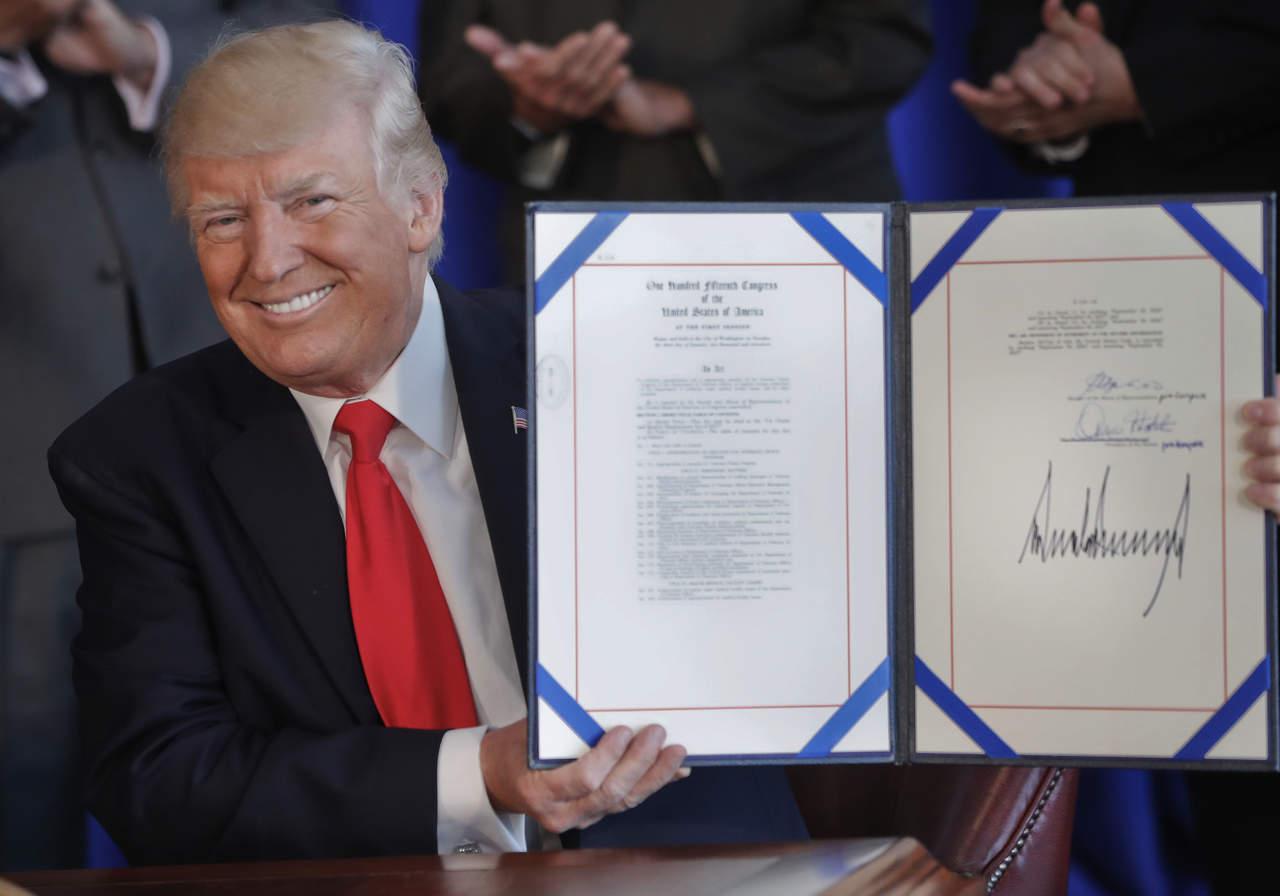Aprueba Trump financiamiento de atención médica a veteranos