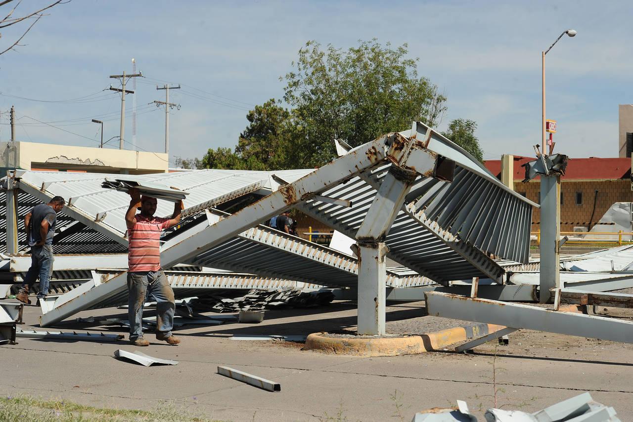 Retira IMSS techos de estacionamiento