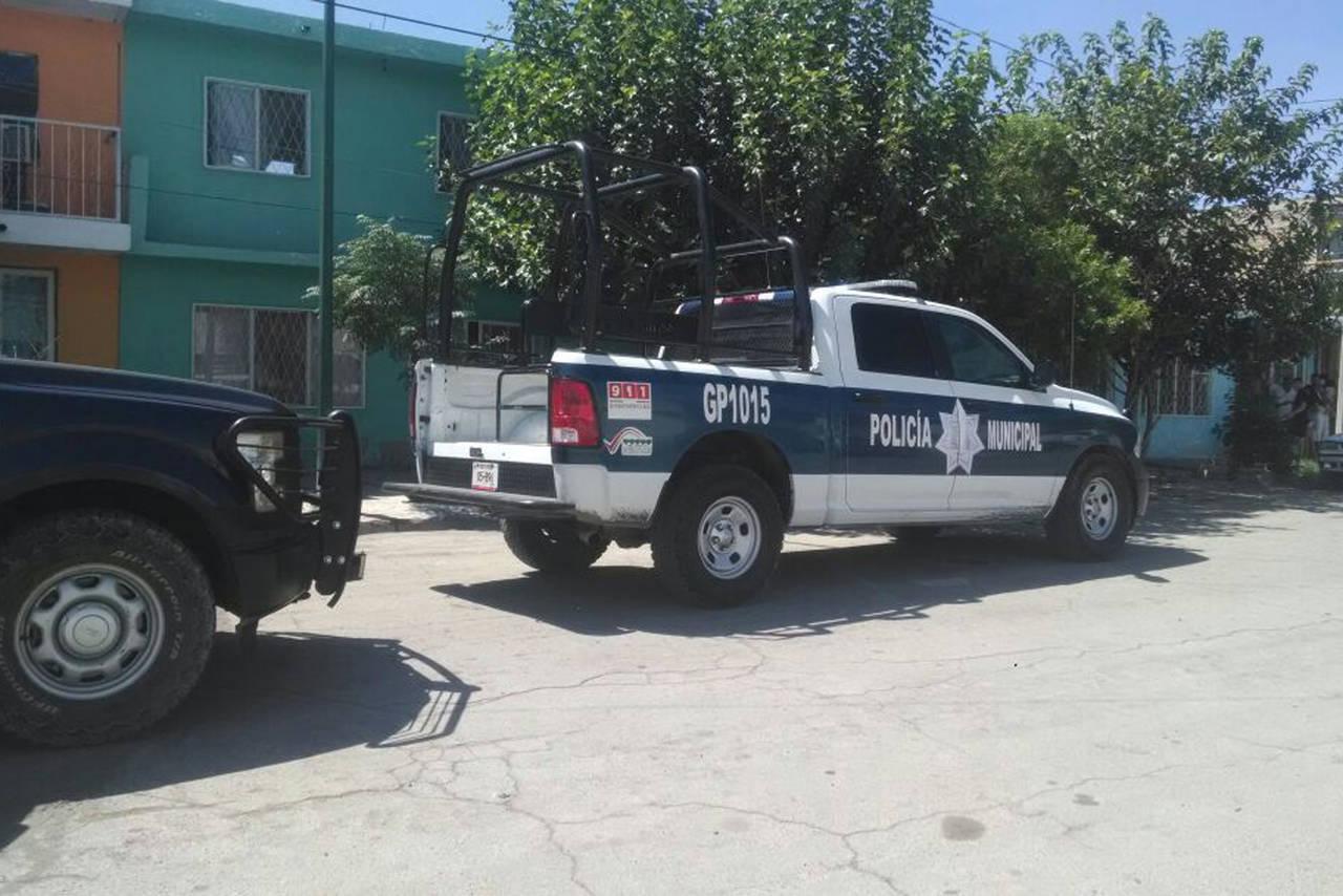 Sexagenario se cuelga de varilla en casa en Gómez Palacio