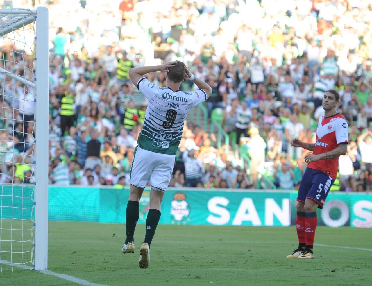 Veracruz sorprende y derrota a Santos en el Corona