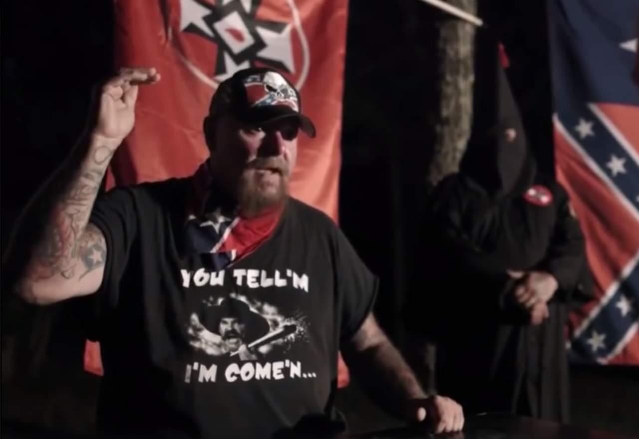 Los ilegales no tienen derechos, dice líder del KKK