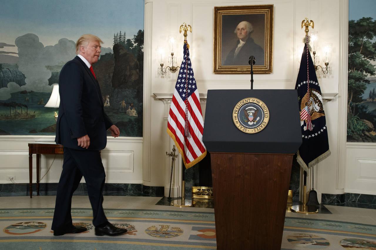 Empresarios toman distancia de Trump